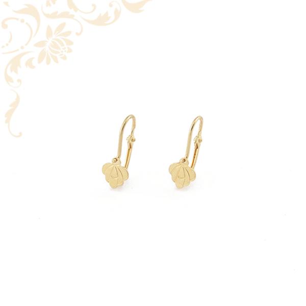 Gyémántvésett mintával díszített gyermek arany fülbevaló