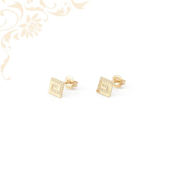 Csillogó fehérszínű cirkónia kövekkel ékesített, köves arany fülbevaló