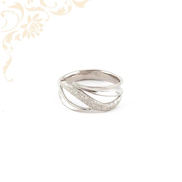 Nagyon szép női arany gyűrű, 14 karátos fehéraranyból
