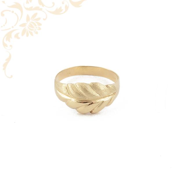 Nagyon elegáns női arany gyűrű