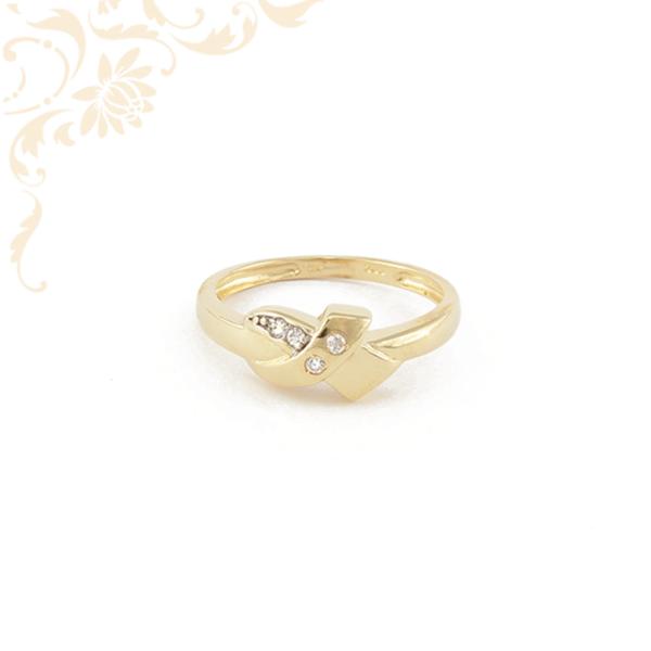 Nagyon mutatós cirkónia köves női arany gyűrű