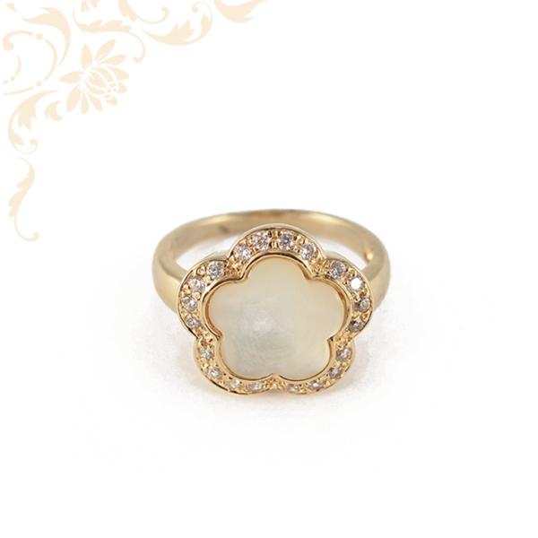 Exkluzív, nagyon mutatós, női köves arany gyűrű