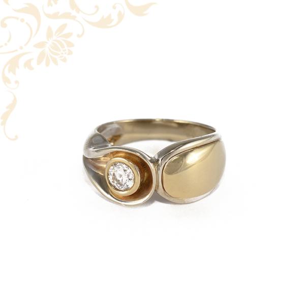 Extra fazonú, nagyon dekoratív, női köves arany gyűrű