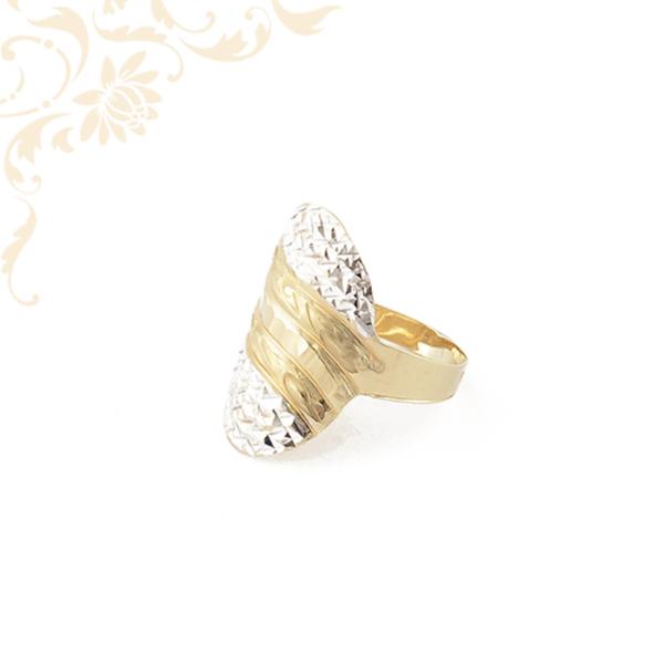 Exkluzív megnelenésű női arany gyűrű