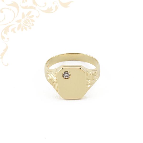 Férfi arany pecsétgyűrű cirkónia kővel díszítve.