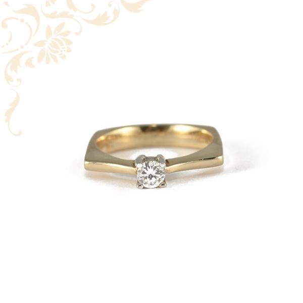 Arany eljegyzési gyűrű cirkónia kővel