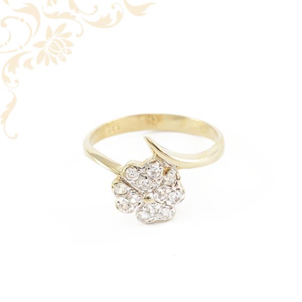 Nagyon dekoratív, cirkónia köves női arany gyűrű