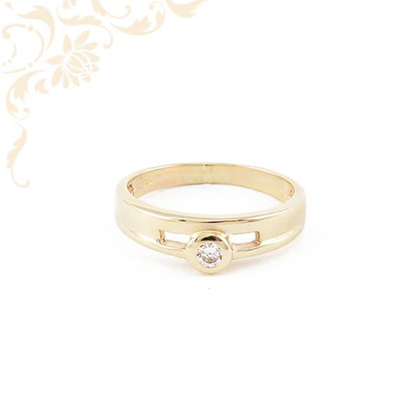 Csillogó fehér színű cirkónia kővel ékesített, női köves arany gyűrű