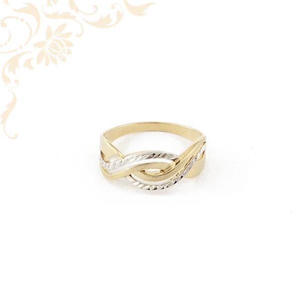 Gyémántvésett mintával díszített női arany gyűrű