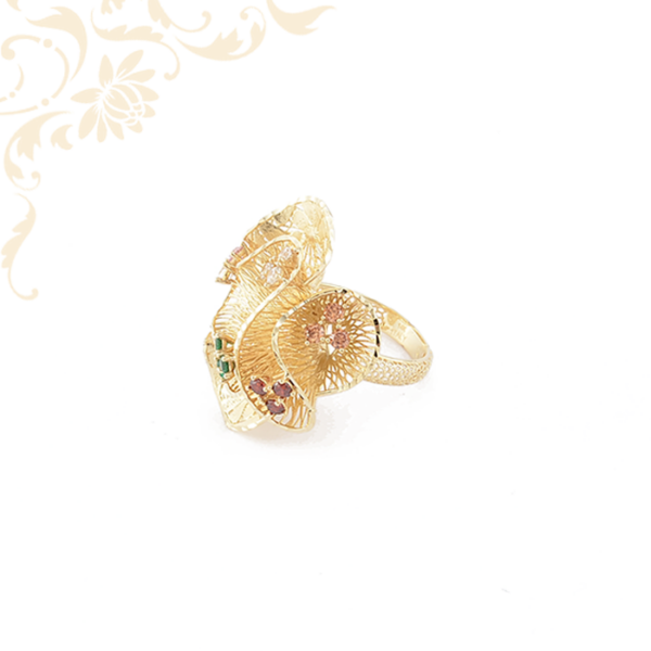 Színes szintetikus kövekkel díszített női arany gyűrű