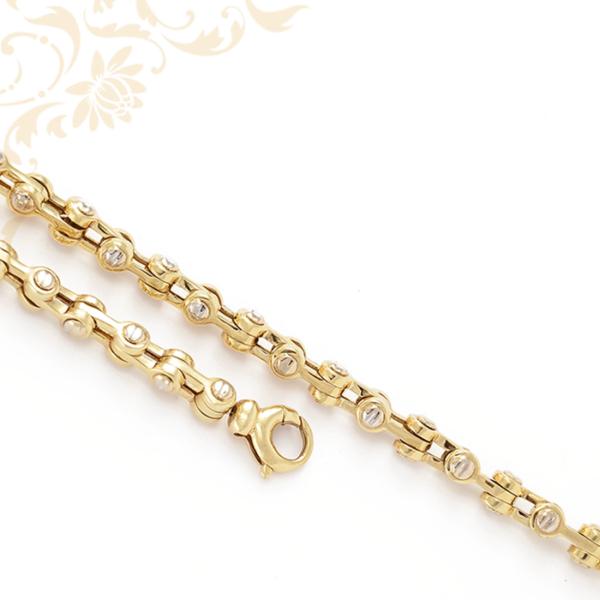 Modern és mutatós arany nyaklánc