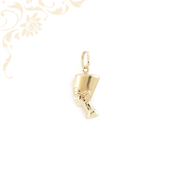 Nefertiti arany medál