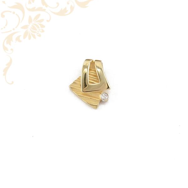 Cirkónia köves női arany medál.