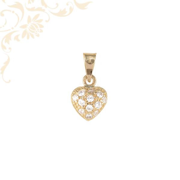 Szívecskés arany medál cirkónia kövekkel