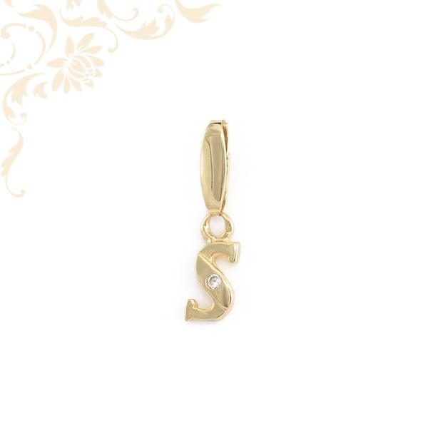 S betű arany medál cirkónia kővel