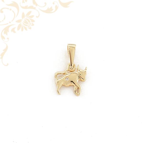 Bika formájú, fehér színű cirkónia kővel díszített arany medál, horoszkópos medál