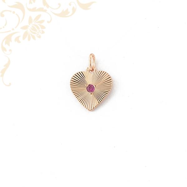 Arany szív medál színes szintetikus kővel