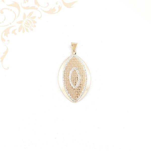 Áttört mintás női arany medál