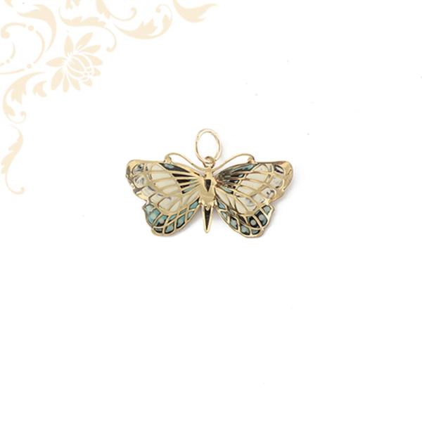 Kis súlyú,mindkét oldalán színes lakkfestéssel díszített arany pillangó medál.