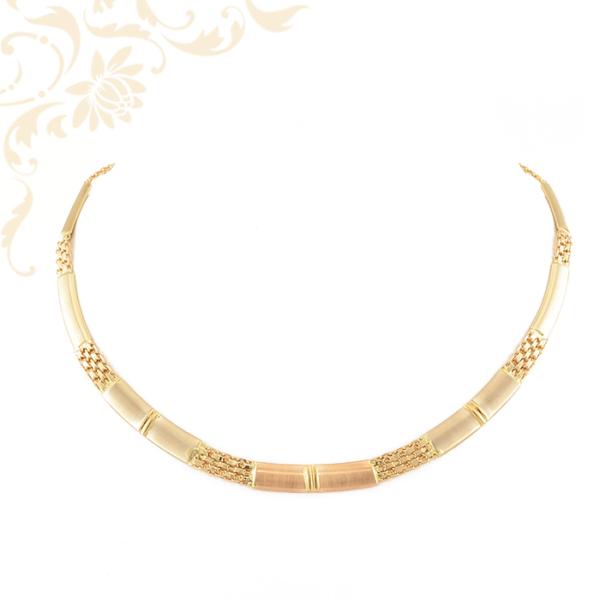 Háromszínű aranyból készült, női arany nyakék