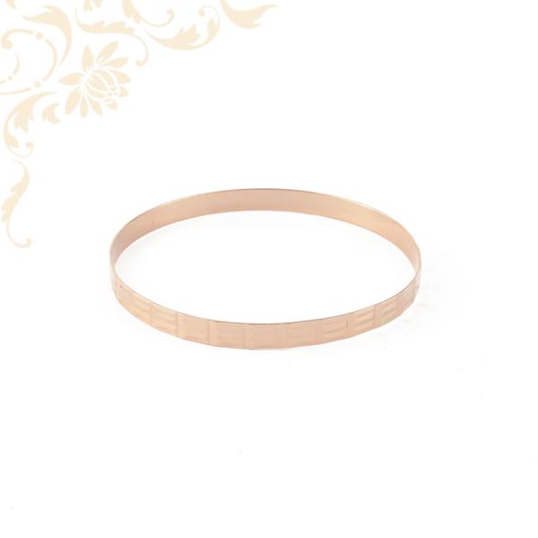 Gyémántvésett mintával díszített női arany karreif, karperec