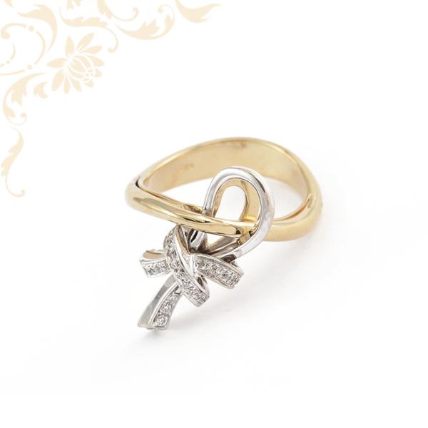 Nagyon szép és elegáns női köves arany gyűrű