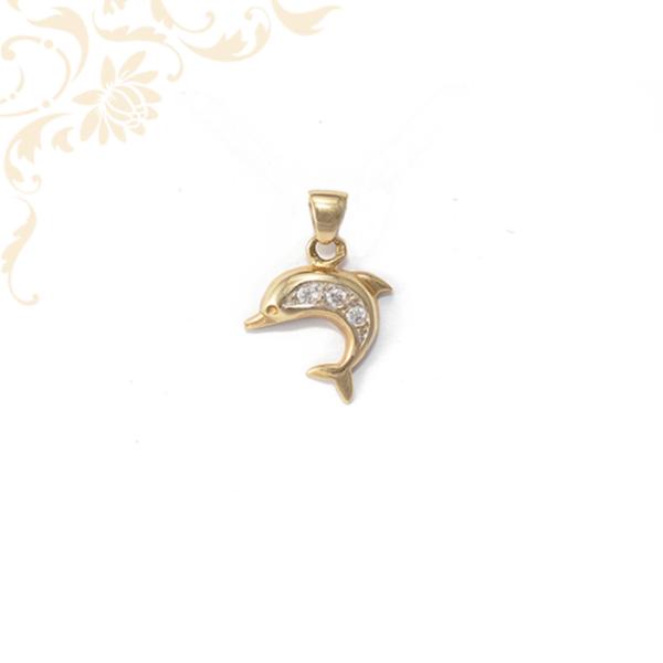 Arany delfin medál cirkónia kövekkel ékesítve