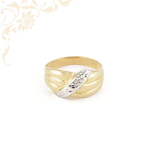 Nagyon szép női arany gyűrű, gyémántvésett mintával és ródium bevonattal díszítve