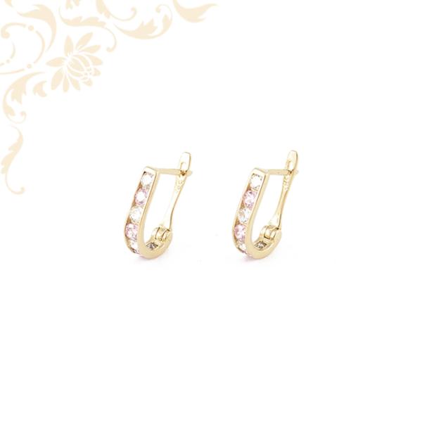 Rózsaszín színű szintetikus és fehér színű cirkónia kövekkel díszített, gyermek köves arany fülbevaló