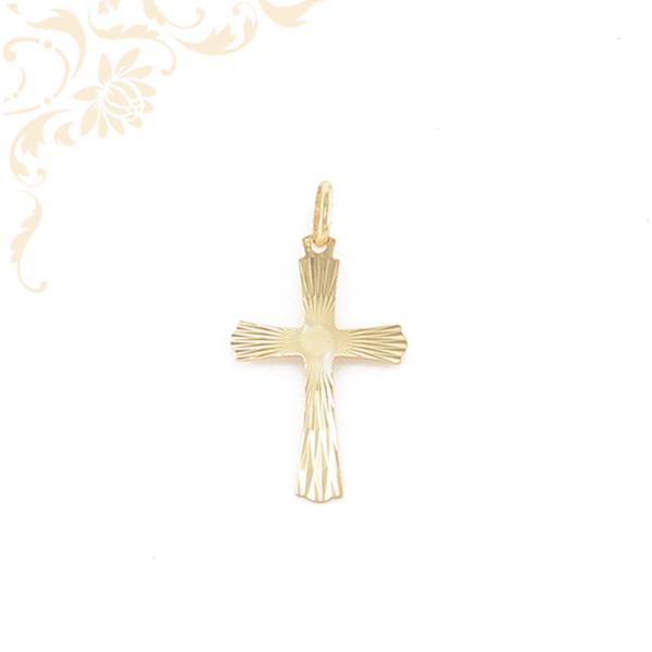 Kereszt arany medál, gyémántvéséssel díszítve
