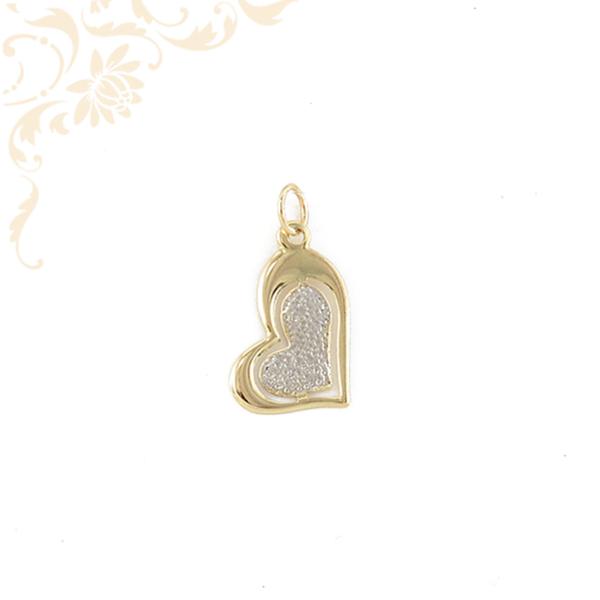 Áttört, szív formájú arany medál, ródium bevonattal díszítve