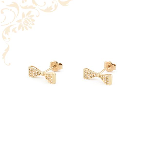 Masni formájú, fehér színű cirkónia kövekkel díszített, köves arany fülbevaló