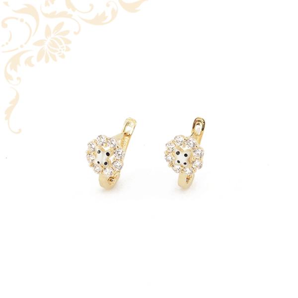 Festett réteggel és fehér színű cirkónia kövekkel díszített, gyermek arany fülbevaló.