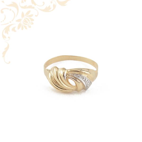 Nagyon szép és mutatós női arany gyűrű