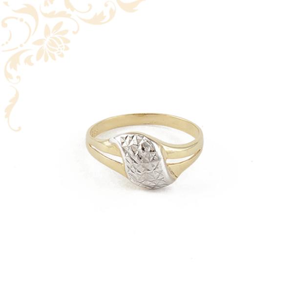 Nagyon szép és elegáns női arany gyűrű