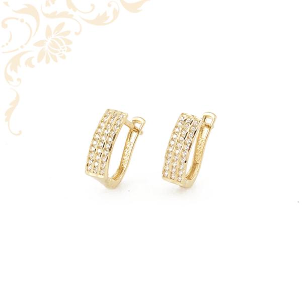 Fehér színű cirkónia kövekkel díszített arany fülbevaló