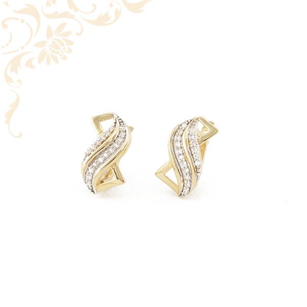 Rendkívül mutatós, fehér színű cirkónia kövekkel díszített arany fülbevaló