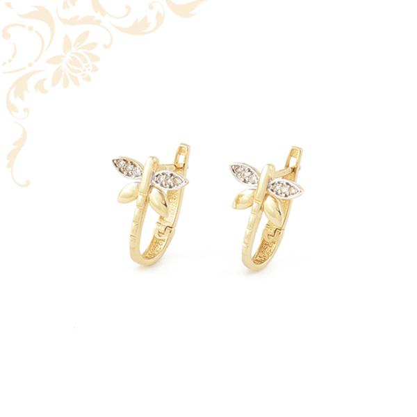 Pillangó formájú arany fülbevaló, fehér színű cirkónia kövekkel és ródium bevonattal díszítve