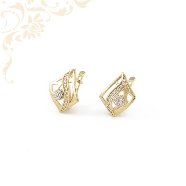 Nagyon szép, áttört mintás, fehér színű cirkónia kövekkel díszített arany fülbevaló