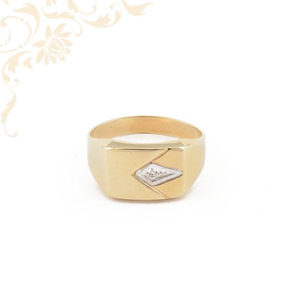 Férfi köves arany pecsétgyűrű, cirkónia kővel és ródium bevonattal díszítve