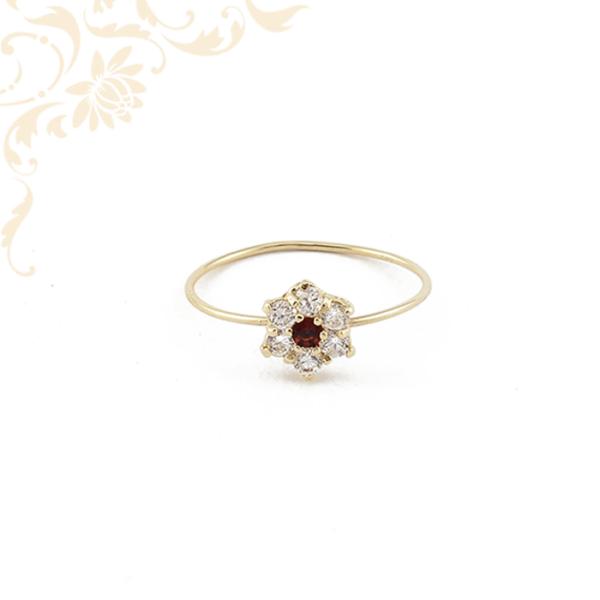 Piros és fehér színű kövekkel díszített női arany gyűrű