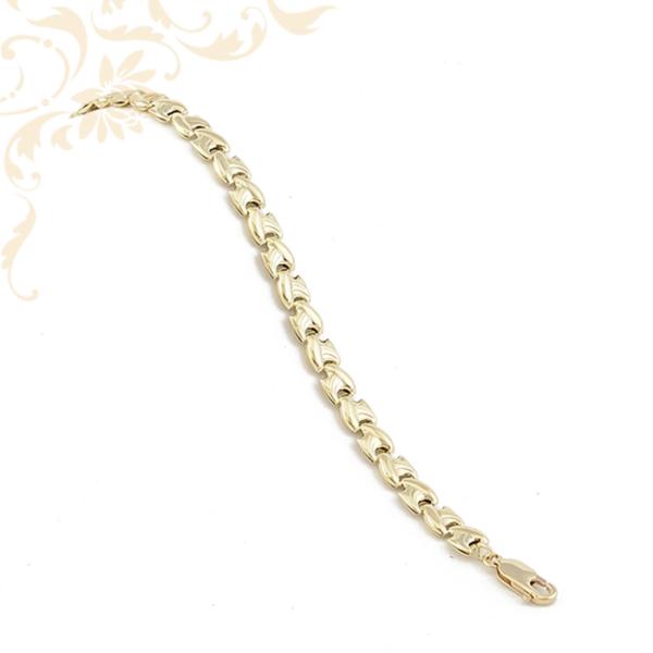 Gyémántvésett mintával díszített női arany karkötő