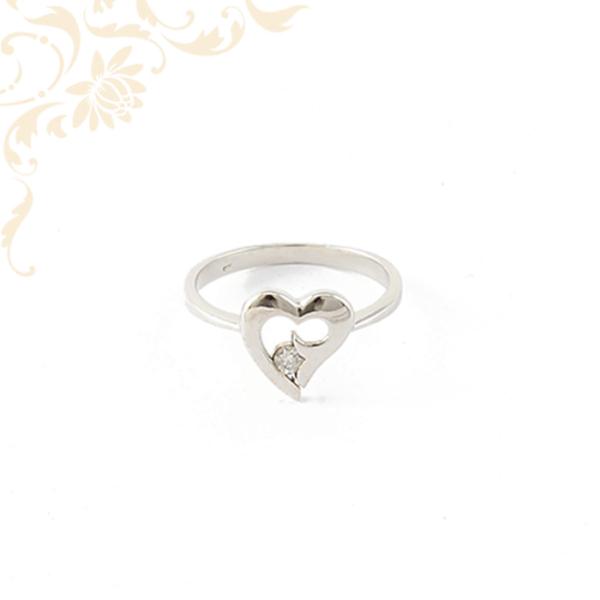 Szívecskés köves arany gyűrű