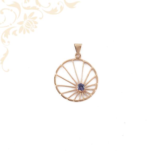 Lila színű szintetikus kővel díszített női arany medál
