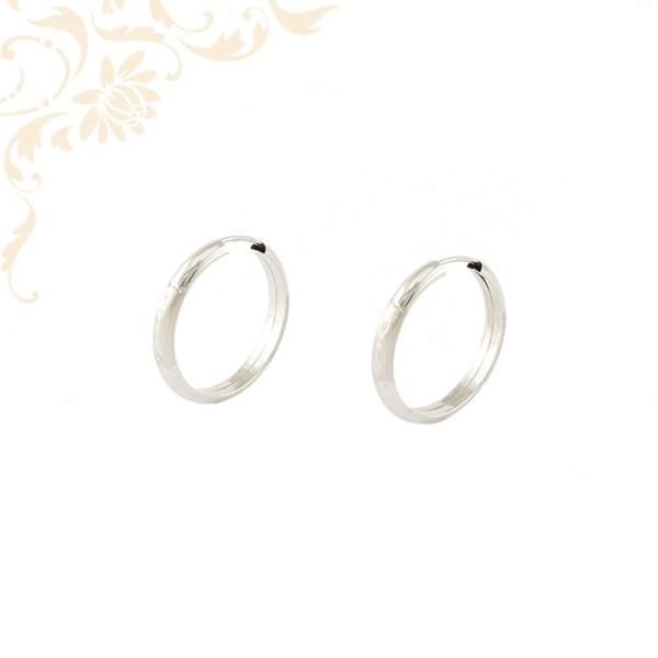Gyémántvésett mintával díszített női arany karika fülbevaló
