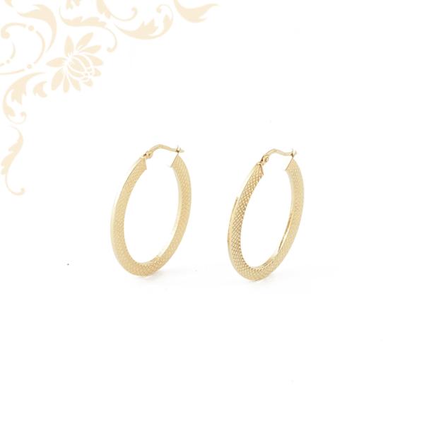 Nagyméretű női arany fülbevaló