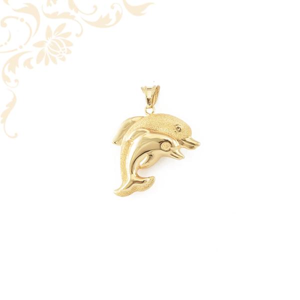 Üreges arany delfin medál kicsinyével(3D)