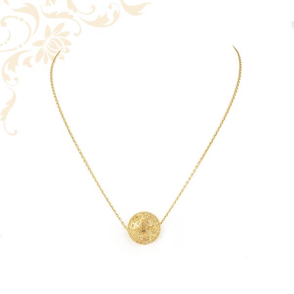 Női arany nyaklánc medállal